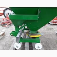 Разбрасыватель удобрений на 1200 кг фирмы Landforce (Турция)